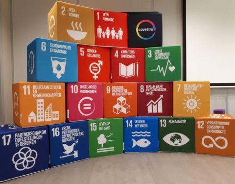 Zitkubussen met de 17 duurzame Ontwikkelingsdoelstellingen