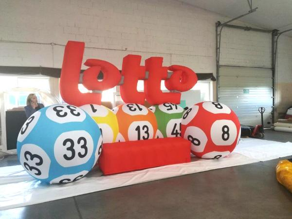 Inflatable vorm Lotto met ballen, opblaasbare structuur op maat