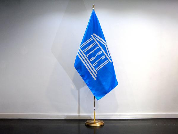 Doublesided satin indoorflag Unesco