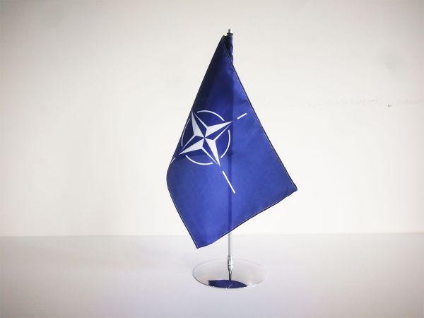 Tafelvlag diplomatic pro met fijn satijnen polyester vlagje